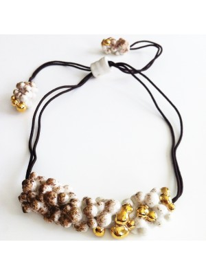 "COLLIER ""PEARL-CELAIN"" BLANC, MARRON ET OR"